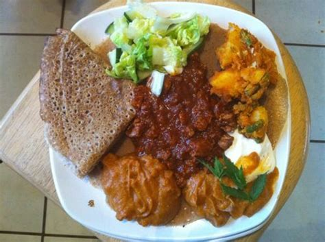 mad鑽e cuisine eritrean zighini with injera bread yum quot want to try it quot food cuisine and lets go