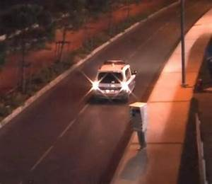 Rémi Gaillard Radar : man dressed as speed camera vs cops ends badly ~ Medecine-chirurgie-esthetiques.com Avis de Voitures