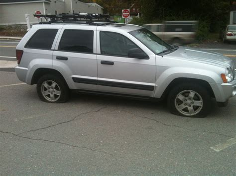 jeep cherokee tires jeep grand cherokee flat tire jeep commander wallpaper