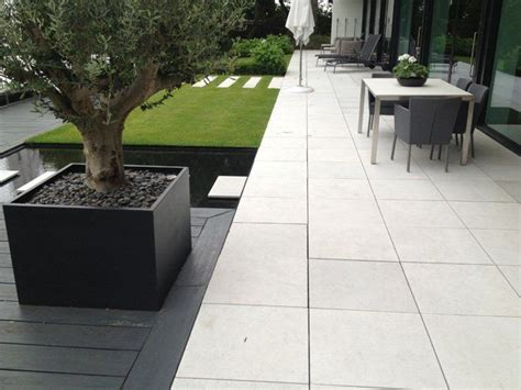White Paving Stones by White Concrete Patio Search Landscaping Patio