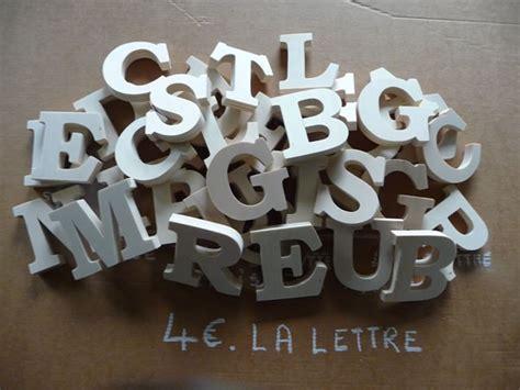lettre de decoration murale lettres d 233 co standard naturel pr 233 noms en bois plaque de porte