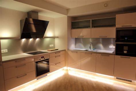 la cuisine de nad įkvepiančios virtuvės apšvietimo idėjos