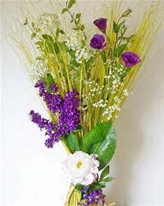 Fausse Fleur Deco : fleurs artificielles violettes et blanches en composition florale sur fagot de bois grand choix ~ Teatrodelosmanantiales.com Idées de Décoration