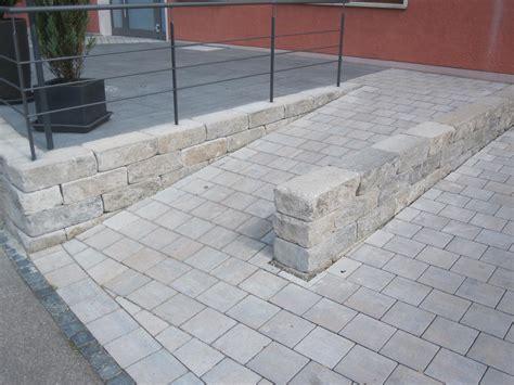 split zum pflastern barrierefreier garten themenwelten terrassenplatten pflastersteine gartenmauer stufen