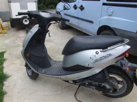 Suzuki Repairs by Suzuki Scooter 50cc Spares Or Repair