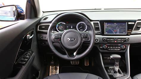 kia niro  review car magazine