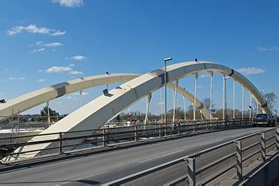 mabey shuts chepstow bridge building