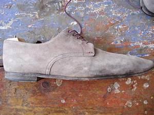 Tache De Gras Sur Cuir : comment nettoyer chaussures en daim ~ Medecine-chirurgie-esthetiques.com Avis de Voitures