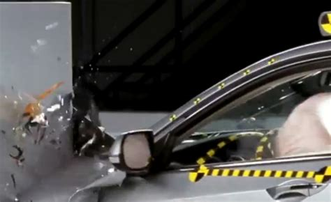 crash test siege auto 2013 nhtsa might add crash tests soon autoguide com