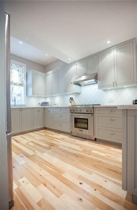 repeindre un meuble cuisine cool repeindre meuble cuisine en formica comment repeindre