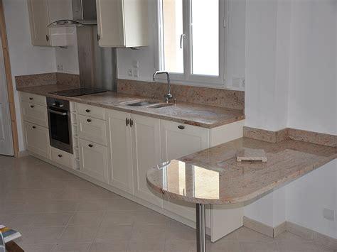 hauteur plinthe cuisine granits déco plan de travail en granit shivakasi finition polie