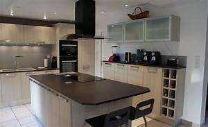 cuisine blanche plan de travail noir cuisine blanche avec With superior meuble ilot central cuisine 16 cuisine bois et noir cuisines en bois cuisines et modles