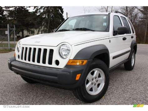 Day in and day out, liberty works like a car or wagon. 2006 Stone White Jeep Liberty Sport 4x4 #39430623 ...