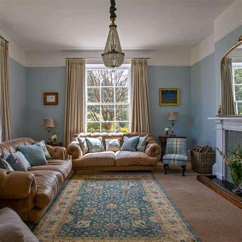 Comfortable And Inviting Home Holidays by Take A Look Around This Stunning Georgian Home In