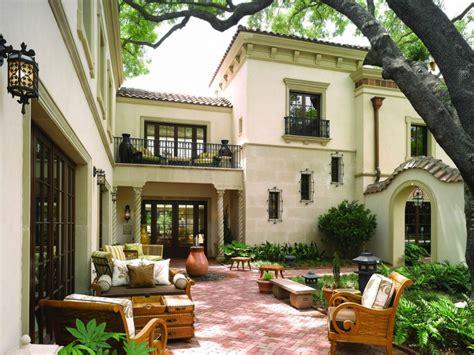 luxury spanish style courtyard homes  sale amazing