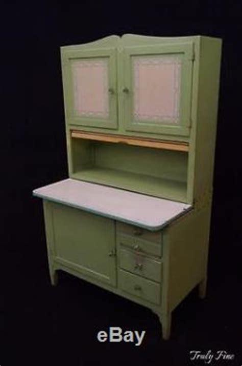 sellers hoosier cabinet hardware jadeite green hoosier sellers kitchen cabinet bakers