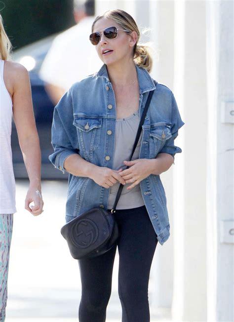 Sarah Michelle Gellar - Out in Santa Monica, March 2015 ...