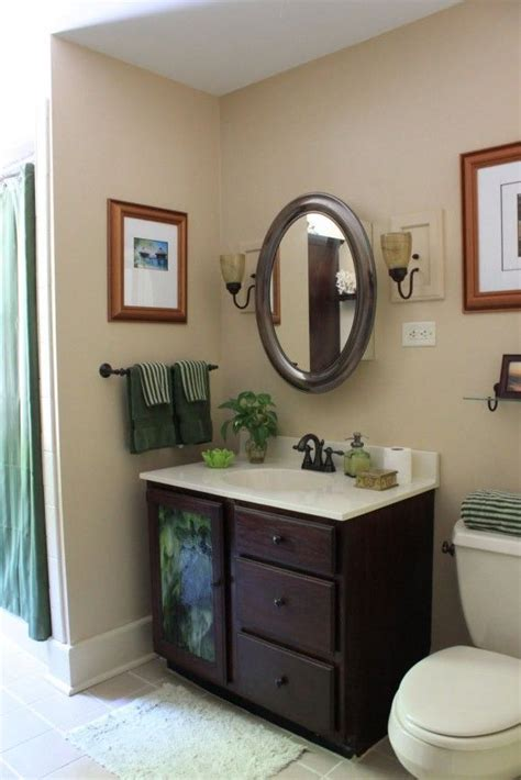 Decorating Small Bathrooms by The Small Bathroom Decorating Ideas On Tight Budget