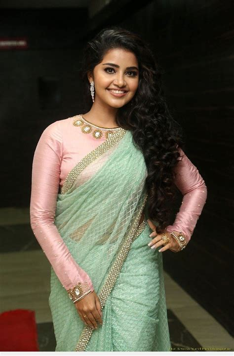 anupama parameswaran navel visible in green transparent saree anupama parameswaran