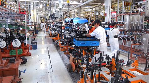 volkswagen mexico plant volkswagen committed to mexico but workers worry