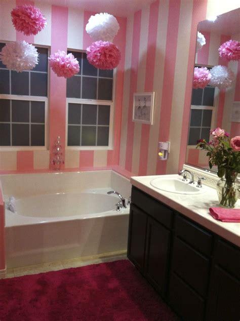 idea    super girly bathroom