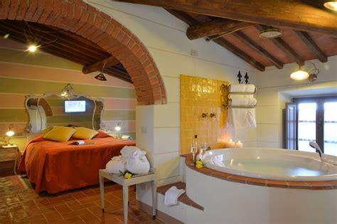 hotel con vasca hotel toscani con vasca idromassaggio in 7