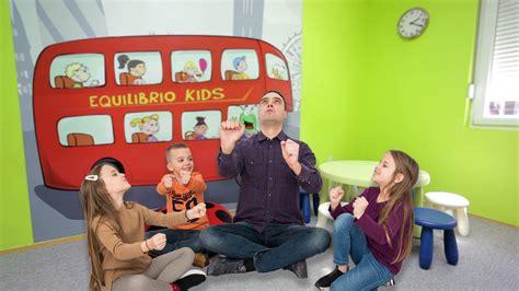 Kako da dete nauči strani jezik kroz igru? - Kursevi za ...