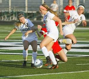 Team effort has Forest Hills Central girls soccer team ...