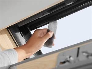 Velux Dachfenster Dichtungsgummi : roof window velux gll 1061 pine finish ~ A.2002-acura-tl-radio.info Haus und Dekorationen