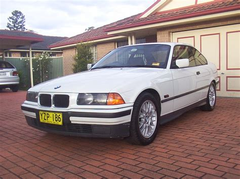 Johnaau 1994 Bmw 3 Series318is Coupe 2d Specs Photos