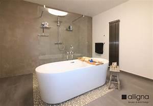 Beton Cire Bad : susteren badkamer met vrijstaand bad inloopdouche en beton cire ~ Indierocktalk.com Haus und Dekorationen
