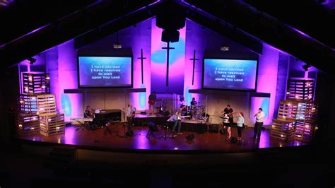 light   pallets church stage design ideas