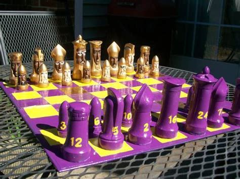 25 pretty bad chess sets holytaco