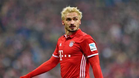 Mats hummels, 32, aus deutschland ⬢ position: Bayern Munch | Hummels dyes hair blonde after losing ...