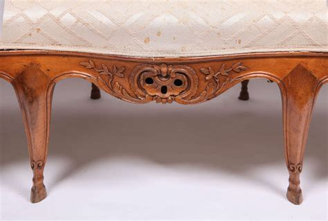 canapé salé 18th century walnut canape for sale at 1stdibs