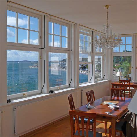 Schiebefenster Und Schiebtueren Praktisch Und Platzsparend by Vertikal Schiebefenster Aus Holz Oder Holz Alu