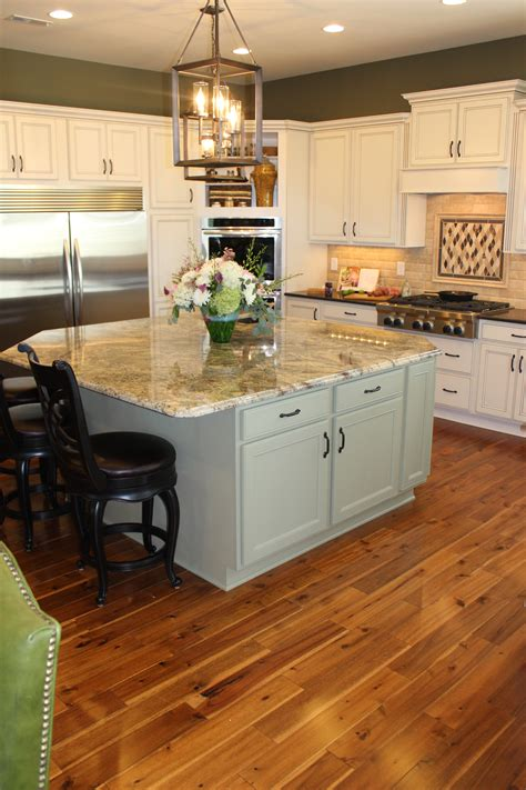 kitchen flooring images mansfield cabinets savae org 1697