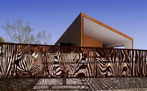 zaun design moderne gartenzäune schaffen sichtschutz im außenbereich