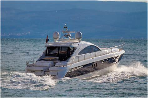 yacht charter fairline targa  gt