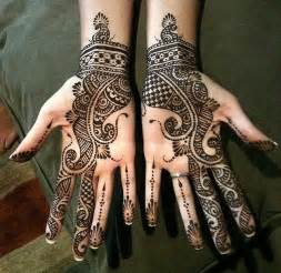 20 Cute Arabic mehndi design that compliments Indian as ...