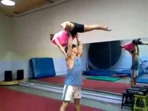 clase de trucos de baile  acrobacias en pareja youtube