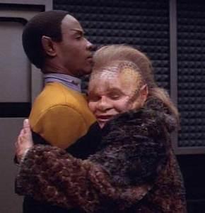 17 Best ideas about Star Trek Voyager on Pinterest   Star ...