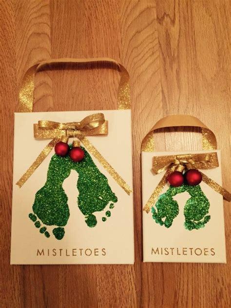 christmas ideas that start with a r mistletoes footprint canvas craft crafts mistletoe