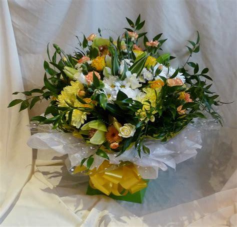 golden wedding anniversary bouquet flowers