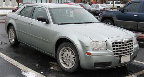 Chrysler 300 V6 file chrysler 300 v6 jpg wikimedia commons