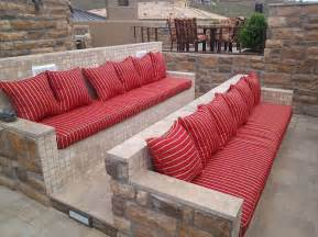 Simple Living Room Ideas On A Budget by How To Create An Entertaining Outdoor Movie Night