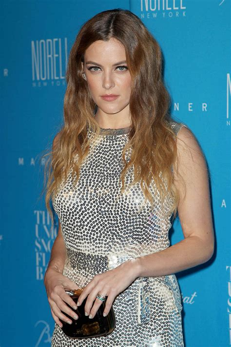 pictures  american actress danielle riley keough