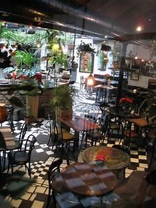 Restaurant Austria Berlin : cafe in hundertwasser house vienna hundertwasser vienna hundertwasser friedensreich ~ Orissabook.com Haus und Dekorationen