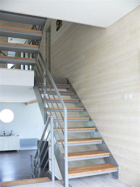 monte escalier pas cher escalier droit pas cher maison design deyhouse