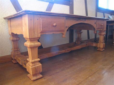 vieux bureau bois bureau louix xiv en vieux bois de chêne ebénisterie brune